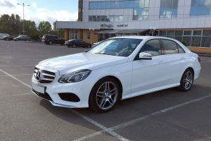 Mercedes W212 restyled white