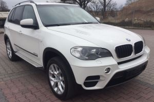 BMW X5 2011 year (E70) white
